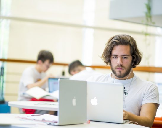 Students studying in UNNC library, China
